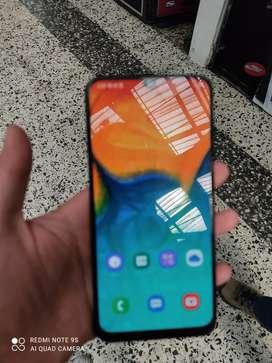 Samsung a30 cómo nuevo