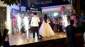 Salón De Eventos Banquetes La Castellana Laurelesmedellin