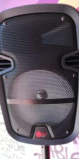 Cabina de 8 pulgadas con sonido extra fuerte