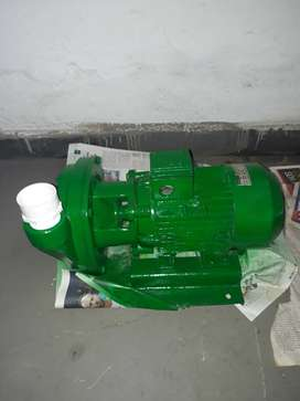 Se vende moto bomba de agua,marca Siemens,3 HP-220 V