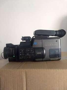 Videocamara VHS C Panasonic Omnimovie para decoración o repuesto