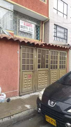 Se arrienda apartamento duplex barrio Quiroga
