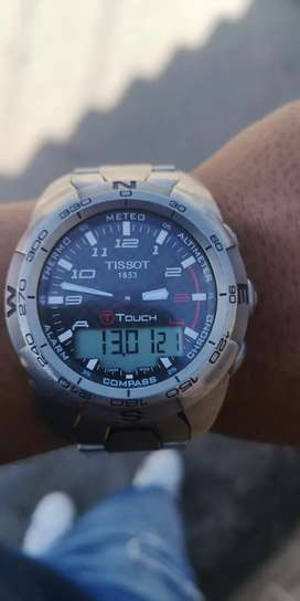 Reloj Tissot Touch (Táctil) Zafirado De Titanio