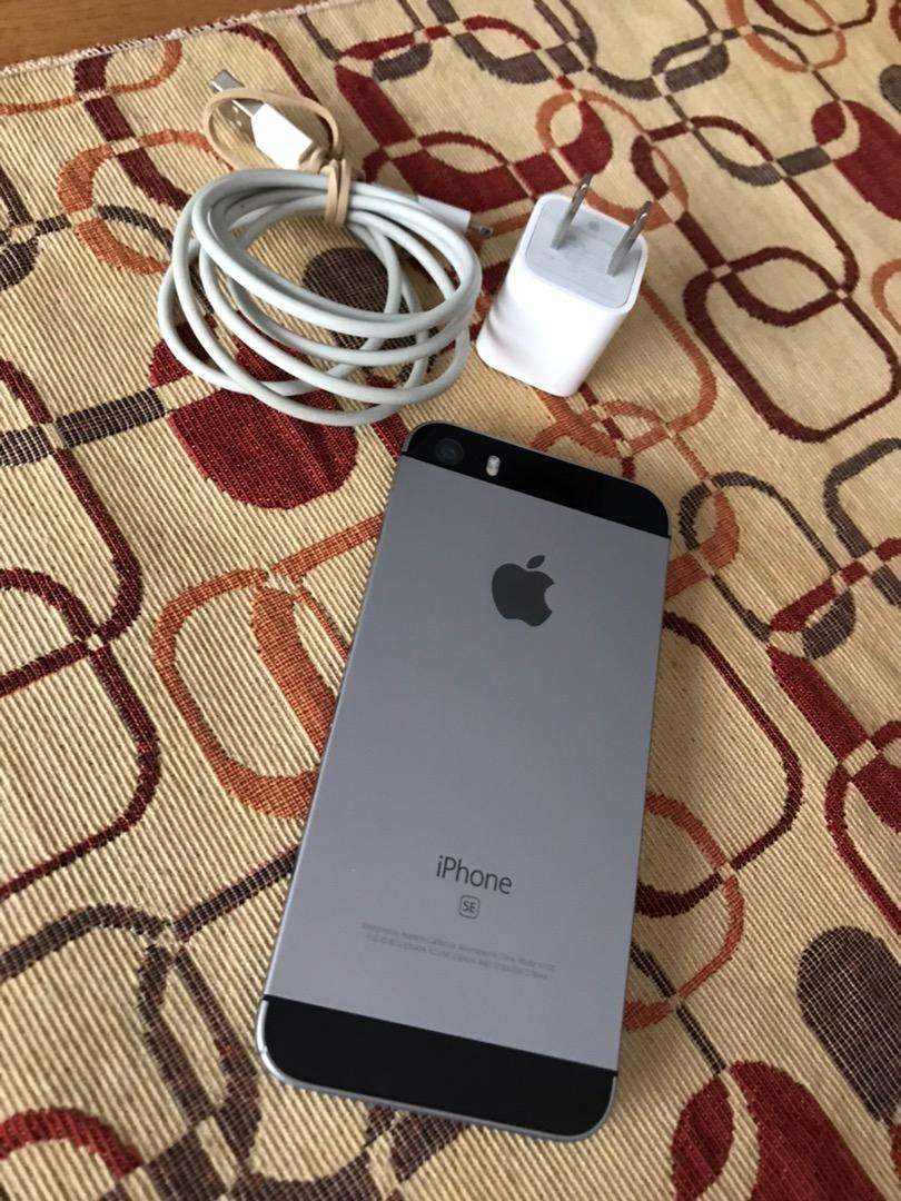 Iphone SE 32gb, bateria 100% 0