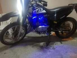 Necesito trabajo tengo moto