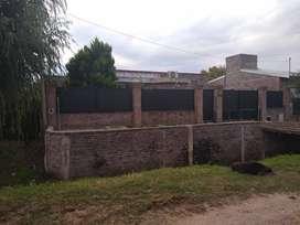 Alvarez, casa tres dormitorios en el pueblo