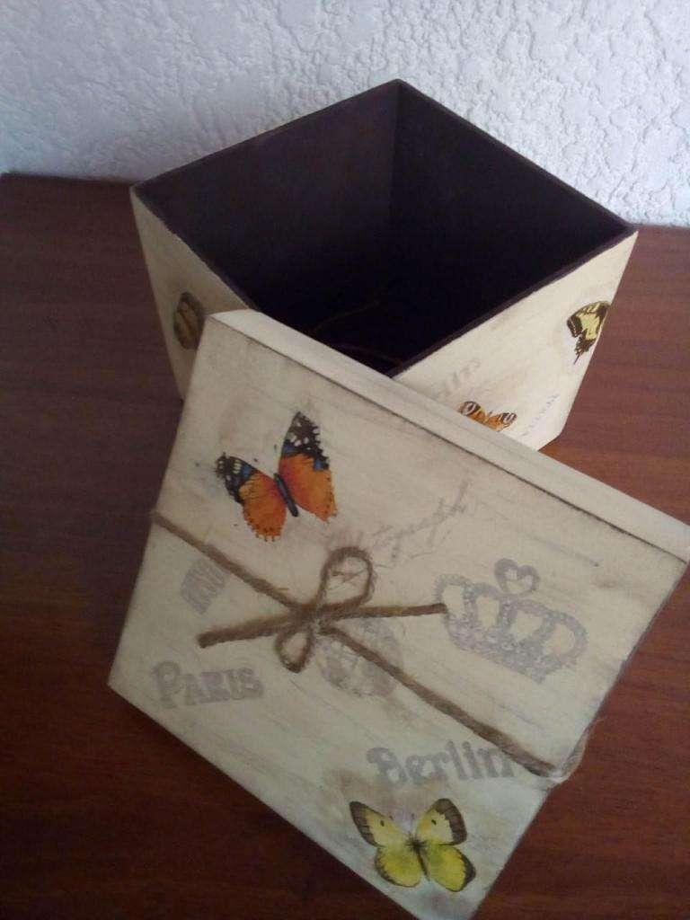 Hermosa caja decorativa 0