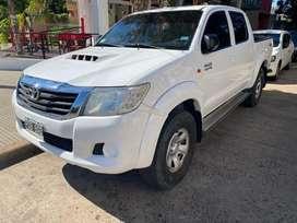 Toyota hilux sr 3.0 4x4 año 2015