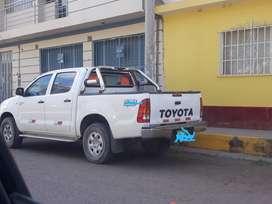 Toyota hilux 20094x2 9,6,6,5,5, 8,8 0,1