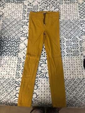 Pantalon legins amarillo