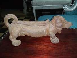 Perro en Hierro Colado Antiguo