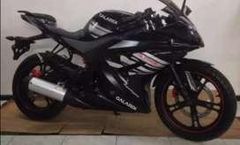Se vende hermosa moto Ninja semi nueva