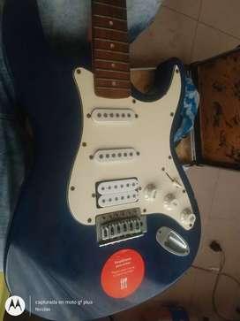 Vendo o cambio guitarra electrica vorson