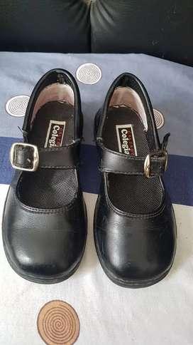 Zapatos colegiales  para niña