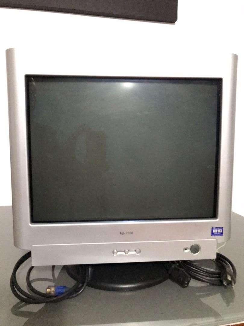"Monitor HP 7550 de 17"""