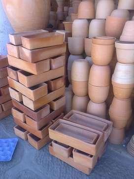 Venta de materas y macetas en barro, cerámica.