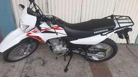 Vendo moto honda XRL150  3 dias de uso
