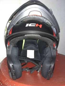 Hermoso casco ICH casi nuevo y abatible