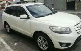 Vehiculo Hyundai-Blanco para toda la familia