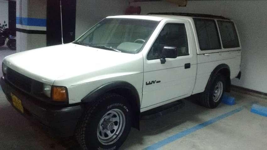 Chevrolet Luv TFR 2.300 - Blanco Sevres Pickup con Capacete 0