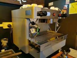 Gran oportunidad!!! Montaje de cafetería - café bar