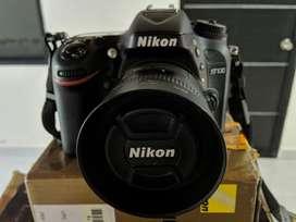 Vendo Nikon D7100 - Poco Uso -