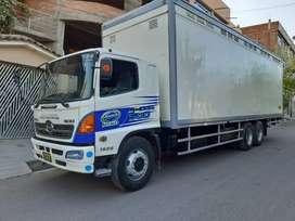 Camion hino 1526