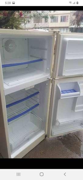 """Servicio Técnico Challenger""reparamos neveras nevecones lavadoras frezeres congeladores challenger llame al WhatsApp"