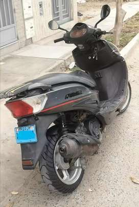 Moto scooter Italika DS 150