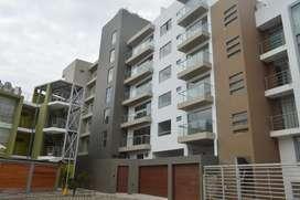 En venta moderno departamento en urbanización privada