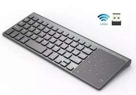 Miniteclado con touchpad numérico/mouse marca Avatto