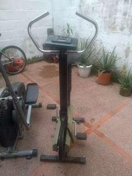 Se vende elíptica y cicla deportiva