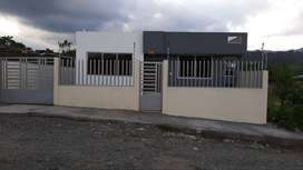 vendo hermosa propiedad en la ciudad  del Puyo  por estrenar esta compuesta de dos departamento independientes