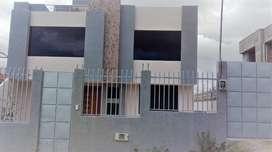 Casa de dos pisos a Estrenar en la Urbanización Aeropuerto