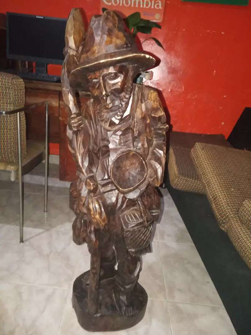 Escultura en madera anciano 0