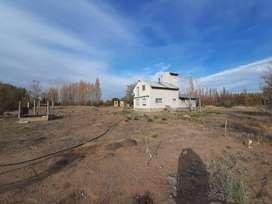 1 hectarea con casa, monoambiente y galpón