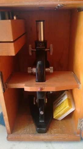 Antiguo Microscopio Carl Zeiss con Caja