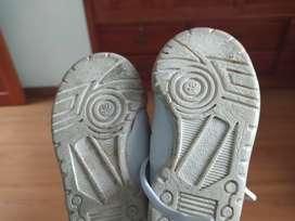 Zapatillas Adidas talla 18 para bebé