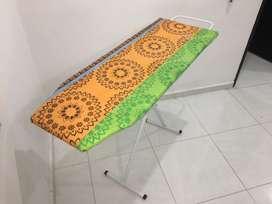 Vendo mesa de planchar en excelentes condiciones