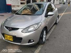 Se vende Mazda 2 full equipo 2010