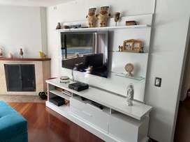 Mueble de TV con luces indirectas