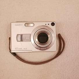 Cámara de fotos digital Casio EX-Z40