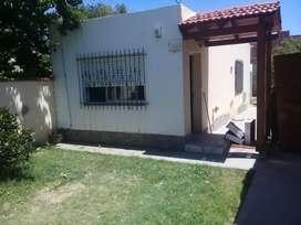 Casa 1 dorm con patio y parrilla