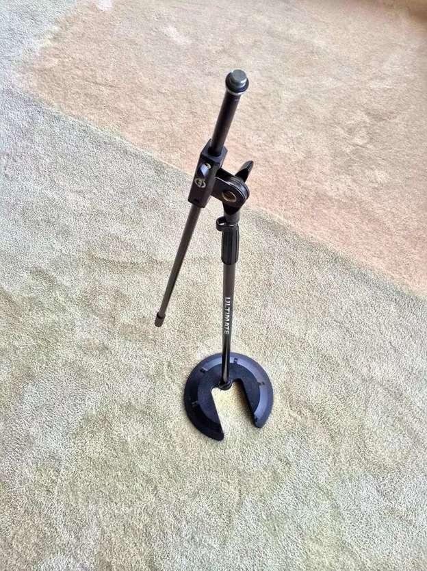 Stand Parante Microfono Apilable Con Brazo Telescópico K&m 0
