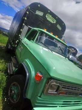 Se vende camioneta doche troques del 500 motor nissan 180 con Turbo