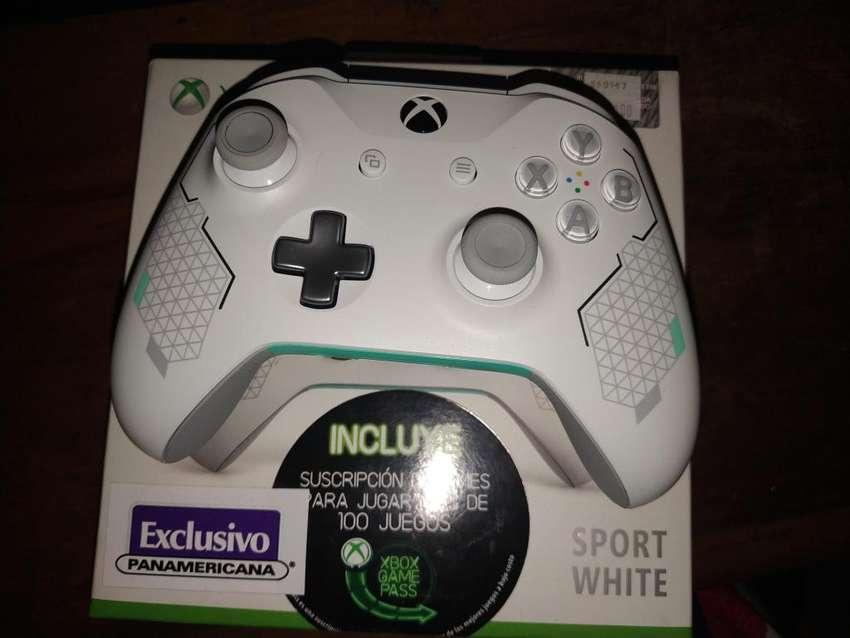 Control Xbox One. Sport White. 0