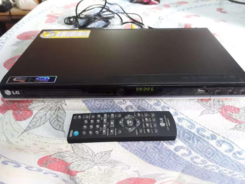 Reproductor de DVD marca LG 0