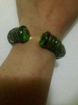 Brazalete piedras verdes