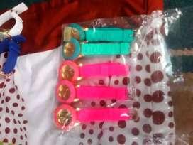 Relojes y aretes económicos  colores con o sin pila se entra inbox wathasapp yaya