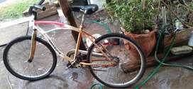 Vendo bici playera rodado 26 en buen estado